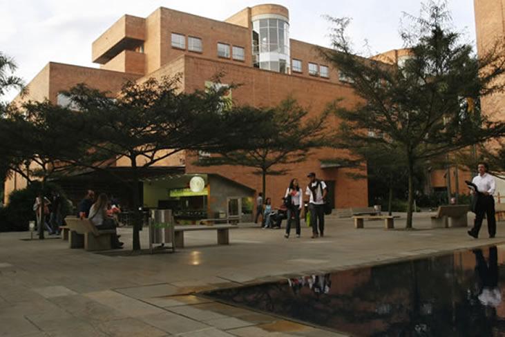 Institución universitaria Universidad Eafit Bogotá