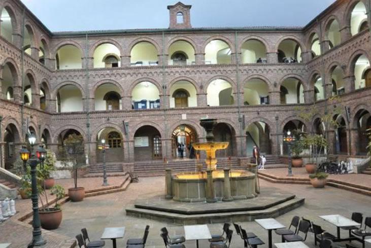 Institución universitaria Universidad Santo Tomás - Bogotá